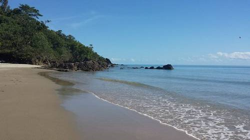 Picture of House requiring House Sitter at Aussie House Sitters, Australia. Location Etty Bay, QLD 4858