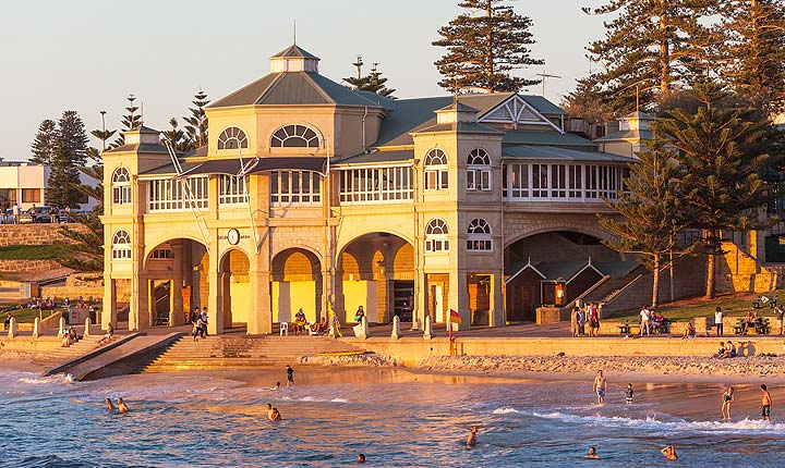 pet sitting and house sitting in perth cottesloe beach